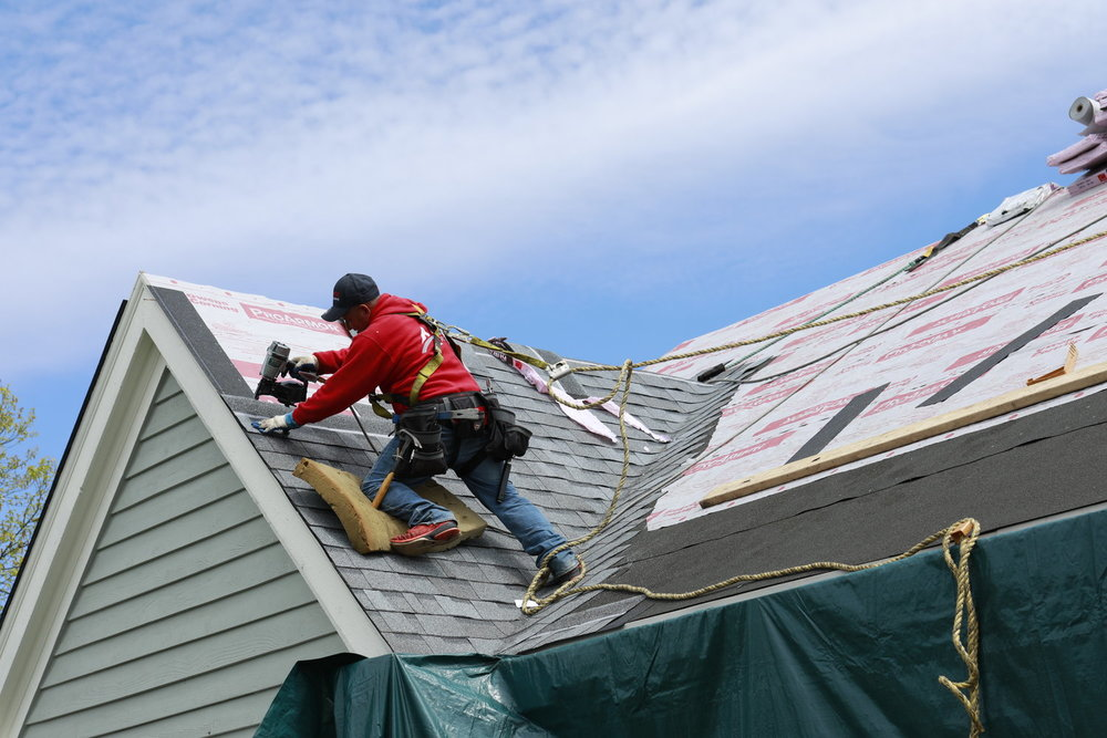 Errors In Roof Covering Business That Make You Look Dumb